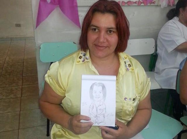 Foto 1: Pacientes se divertiram com as caricaturas