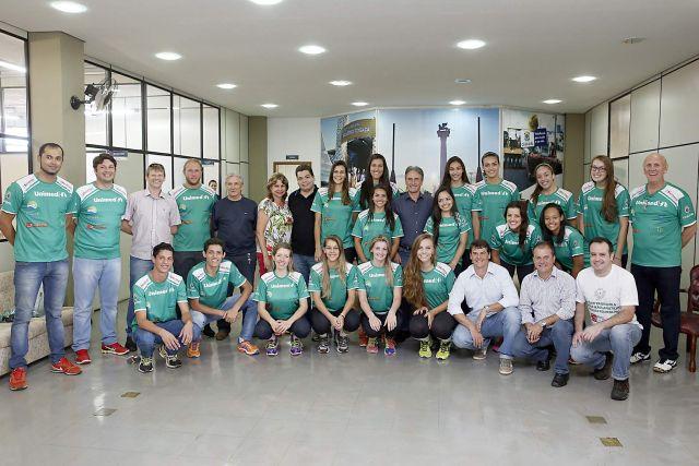 Foto 1: Jogadoras e equipe técnica foram apresentados oficialmente
